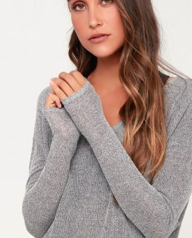 Bevin Heather Grey Knit Long Sleeve V-Neck Sweater Top