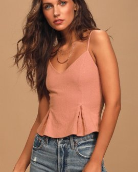 Casually Chic Mauve Cropped Tank Top