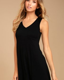 Casually Cool Black Swing Dress