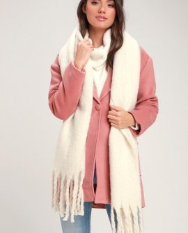 Come A Little Closer Ivory Scarf