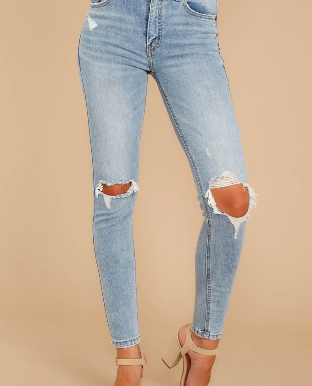 Cue The Casual Light Wash Distressed Skinny Jeans