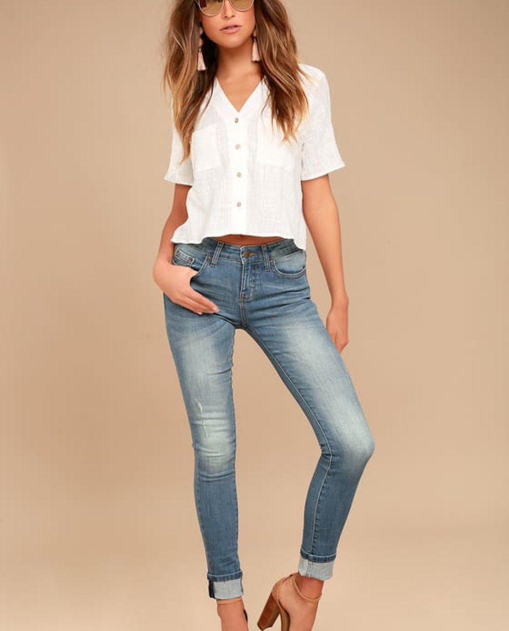 EVIDNT Solana Medium Wash Distressed Skinny Jeans