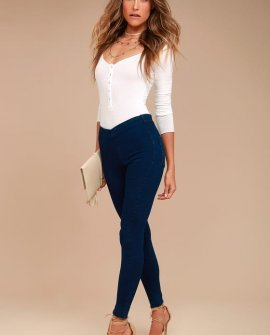 Easy Goes It Dark Wash Denim Leggings
