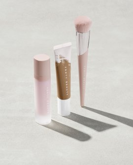Hydrating Complexion Essentials With Brush