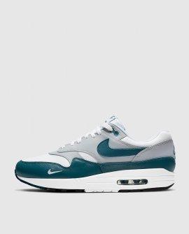 Nike Air Max 1 LV8 Sneakers