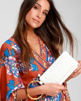 Poolside Pick Me Up White Woven Clutch