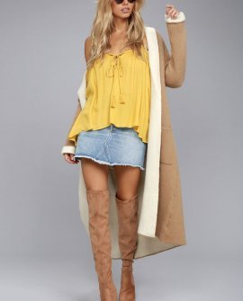 Sunshine Seeker Yellow Top