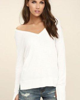 Sweet-Tempered White V-Neck Sweater Top