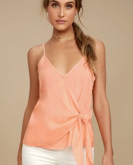 Take Note Peach Wrap Top