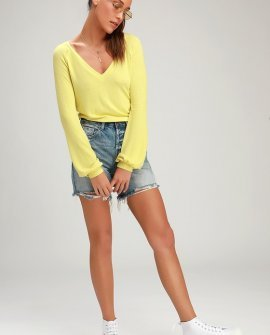 Tori Chartreuse V-Neck Long Sleeve Sweater Top