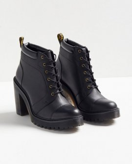 Dr. Martens Averil Boot