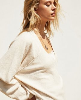 Lilith Cozy V-Neck Top